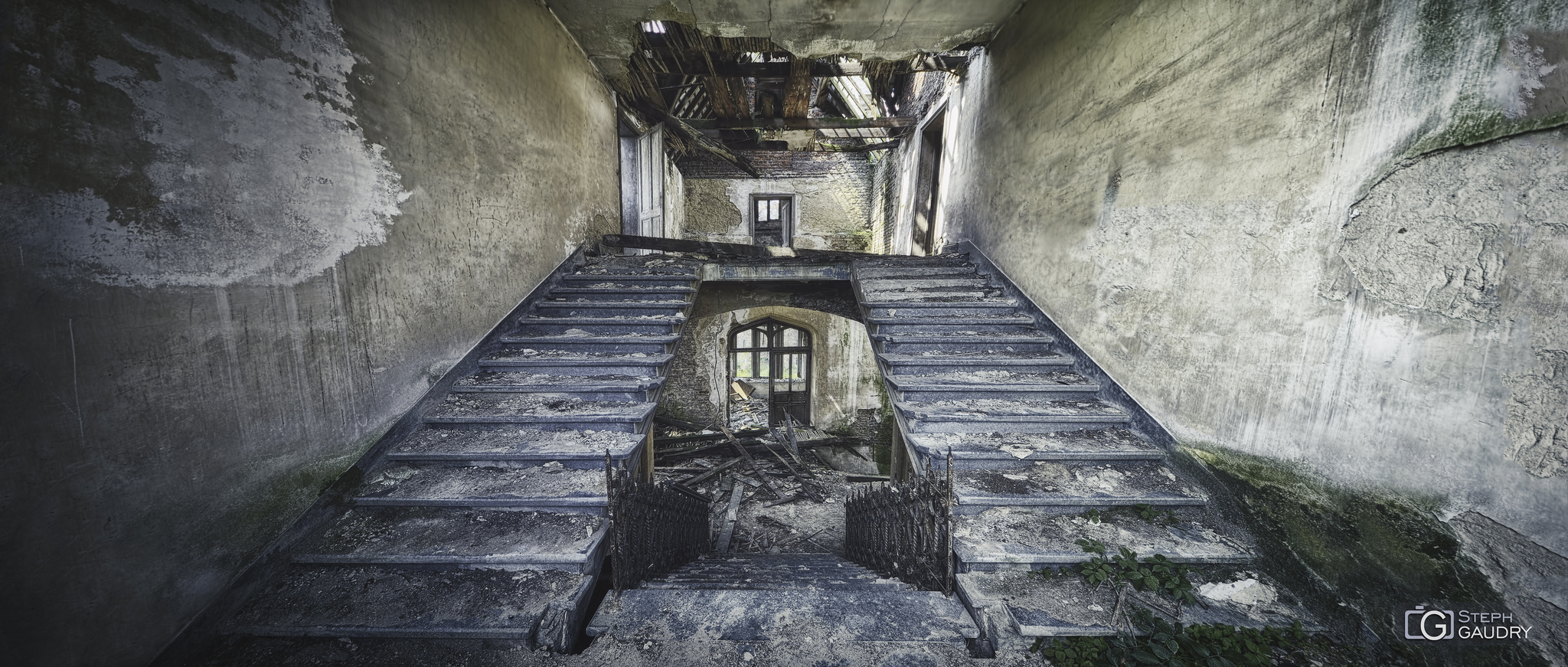Château de Messen - escalier [Klik om de diavoorstelling te starten]
