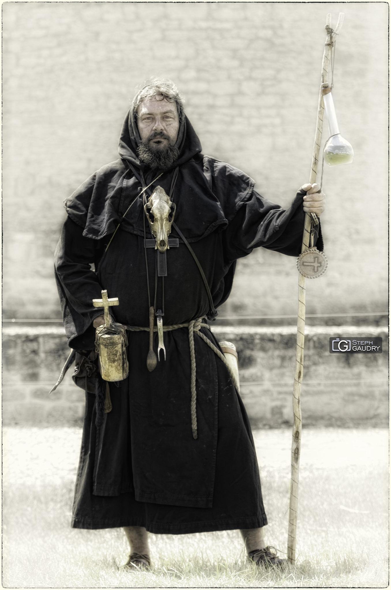 Le moine sorcier [Click to start slideshow]