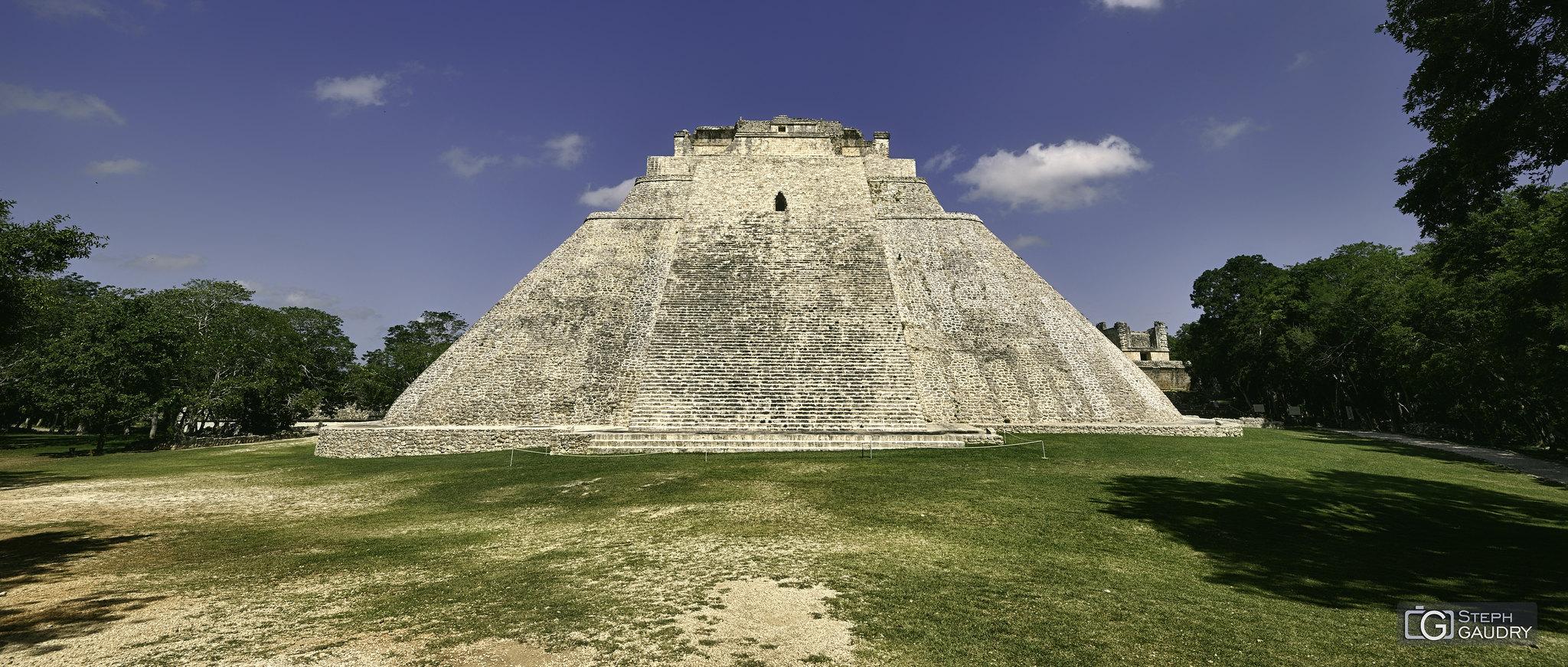 La pyramide du Magicien à Uxmal