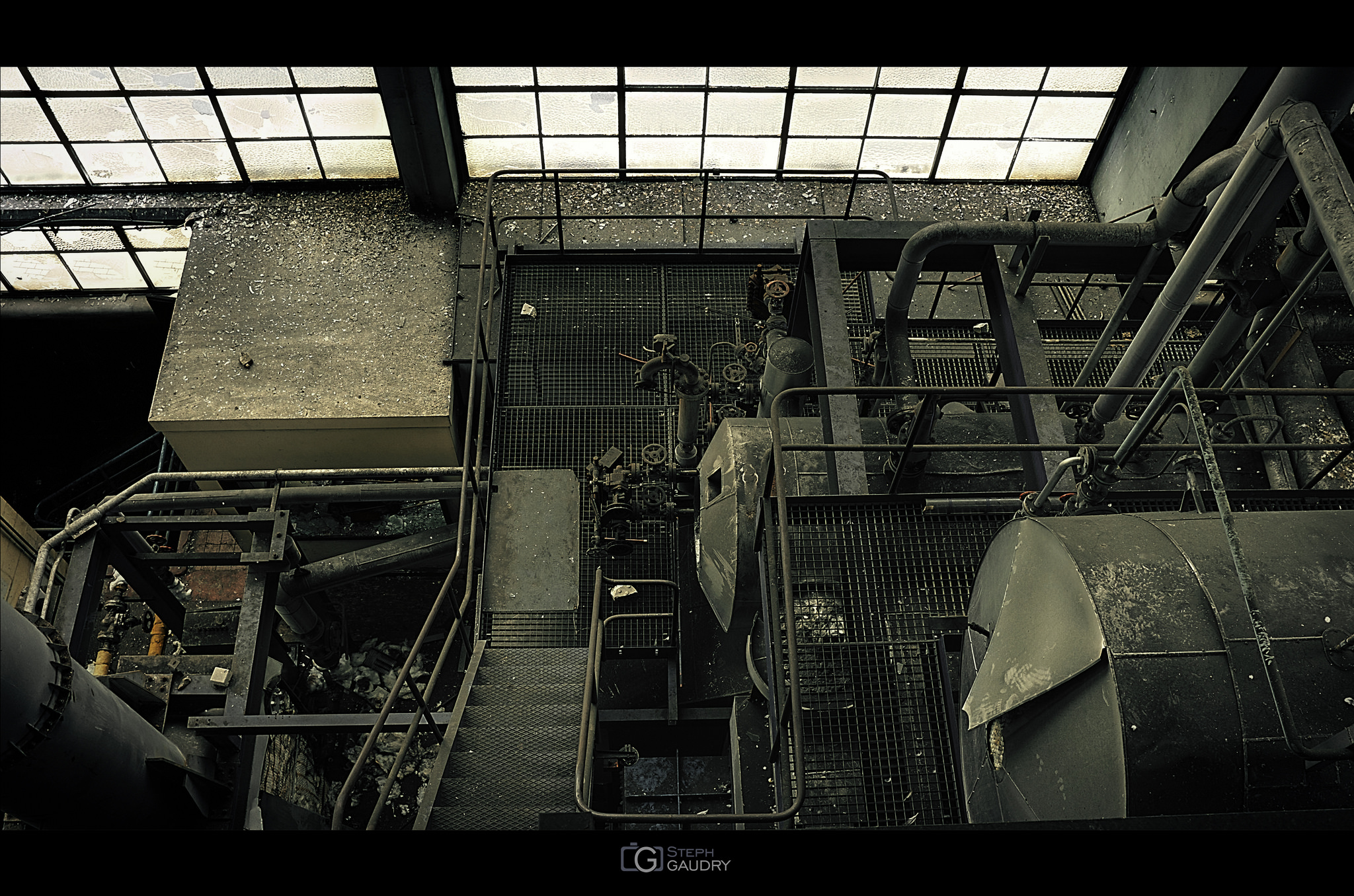 Micro centrale - vue arrière depuis l'étage [Klik om de diavoorstelling te starten]