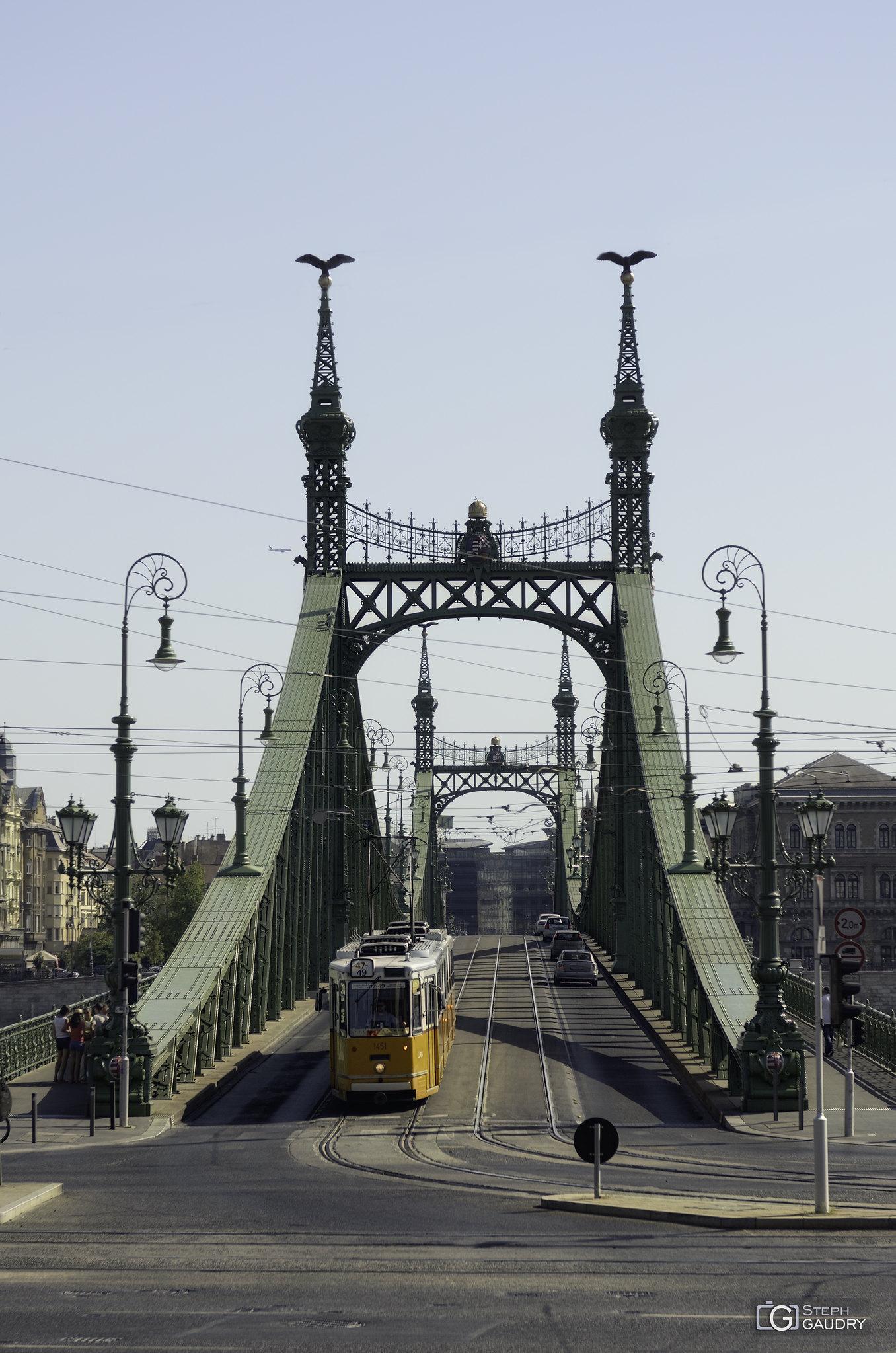 Szabadság híd [Cliquez pour lancer le diaporama]
