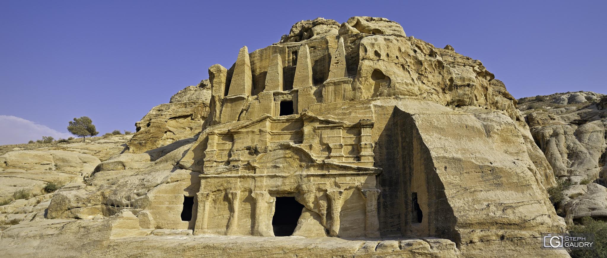 Petra - au début du siq [Click to start slideshow]
