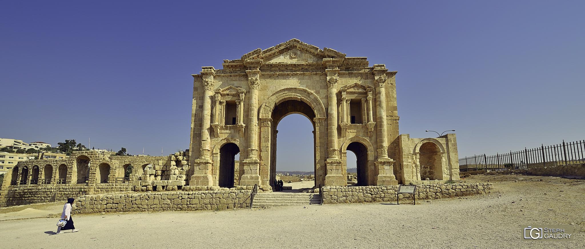 Jerash - L'arc d'Hadrien [Cliquez pour lancer le diaporama]