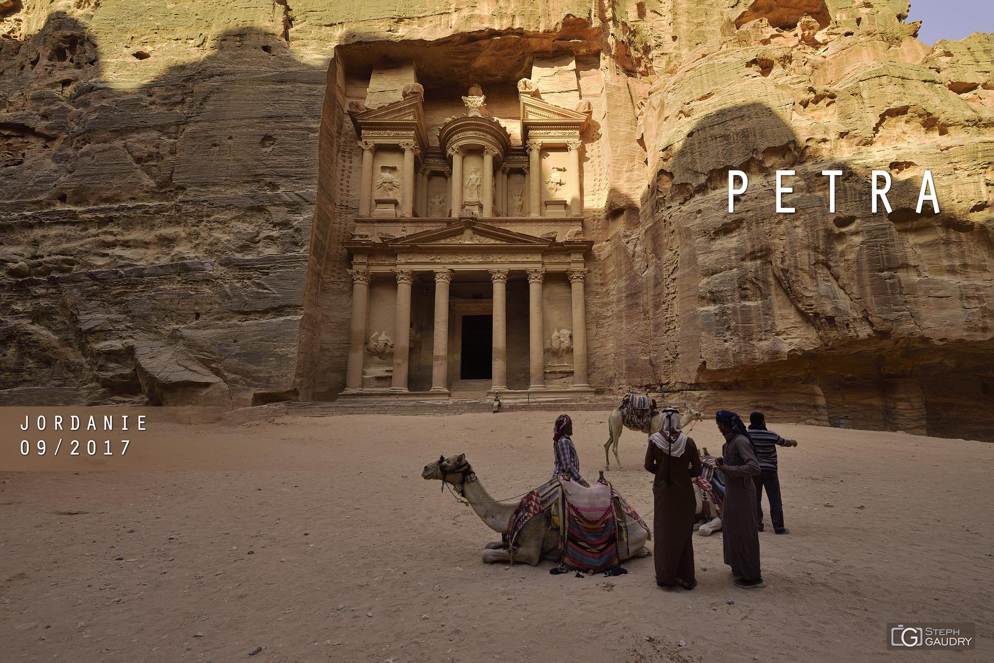 La Khazneh à Petra. [Click to start slideshow]