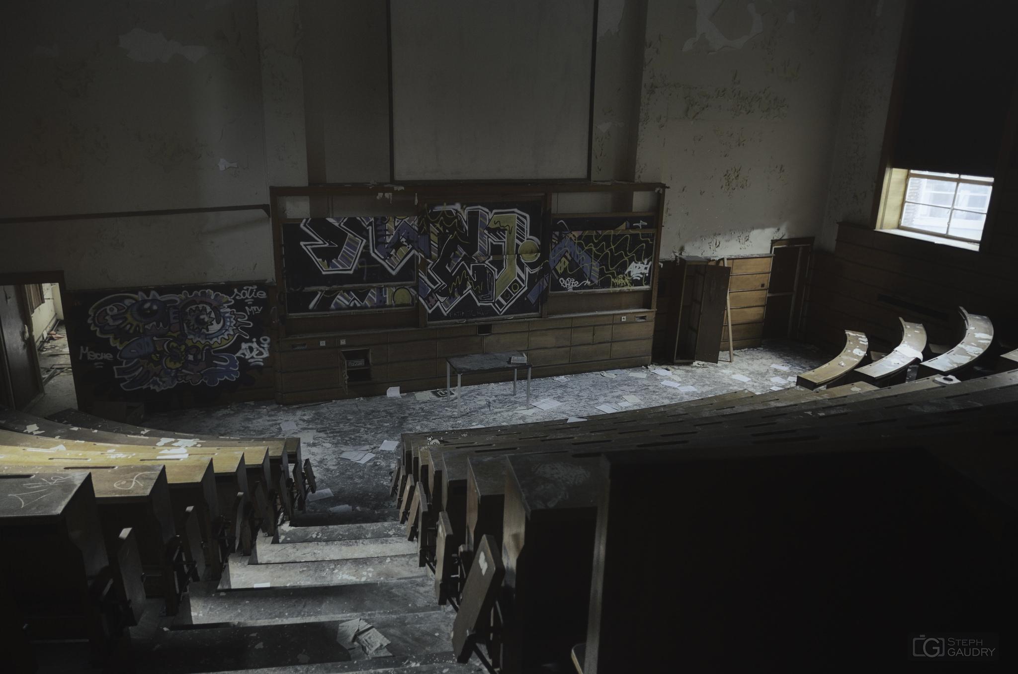 L'amphithéatre abandonné [Klicken Sie hier, um die Diashow zu starten]