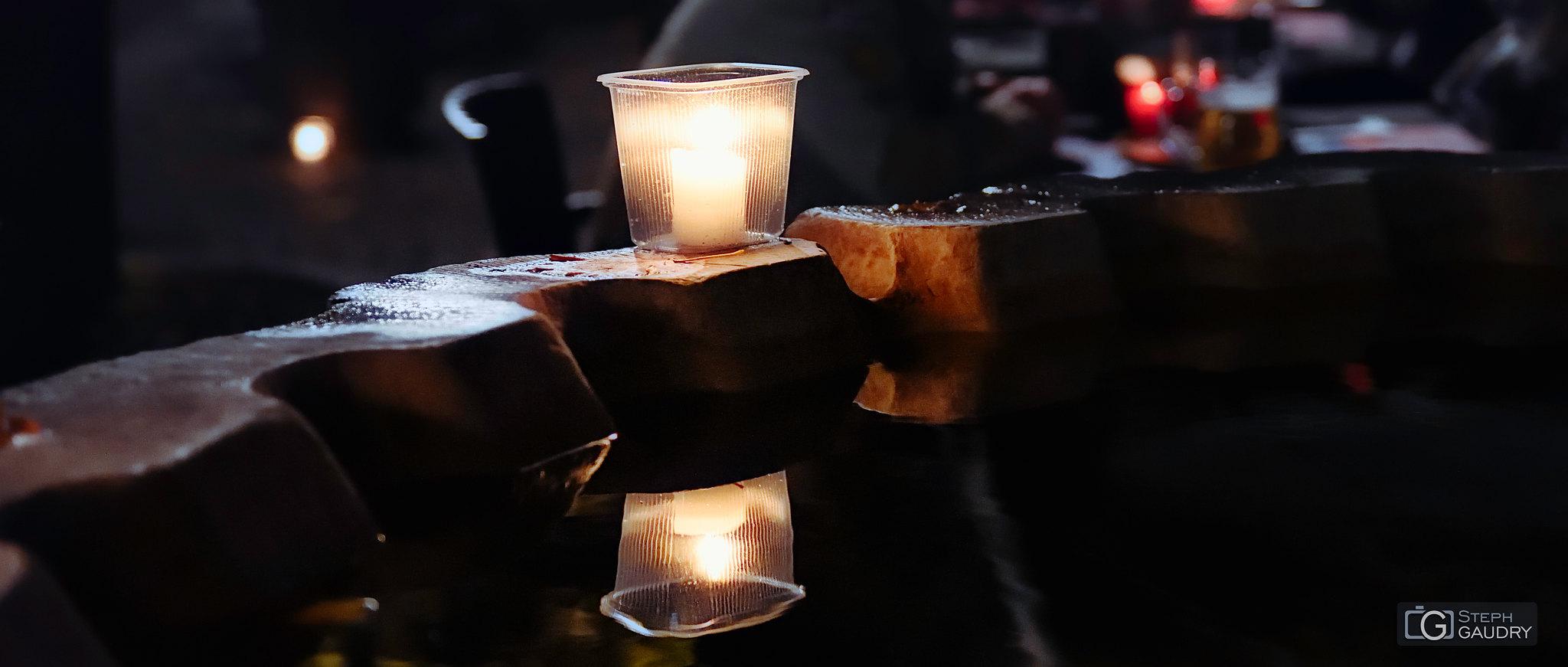 Nocturne des coteaux 2019 - reflets sur le Perron - ciné [Klik om de diavoorstelling te starten]