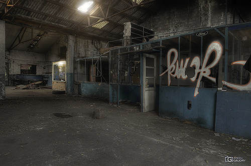 Doel, garage abandonné