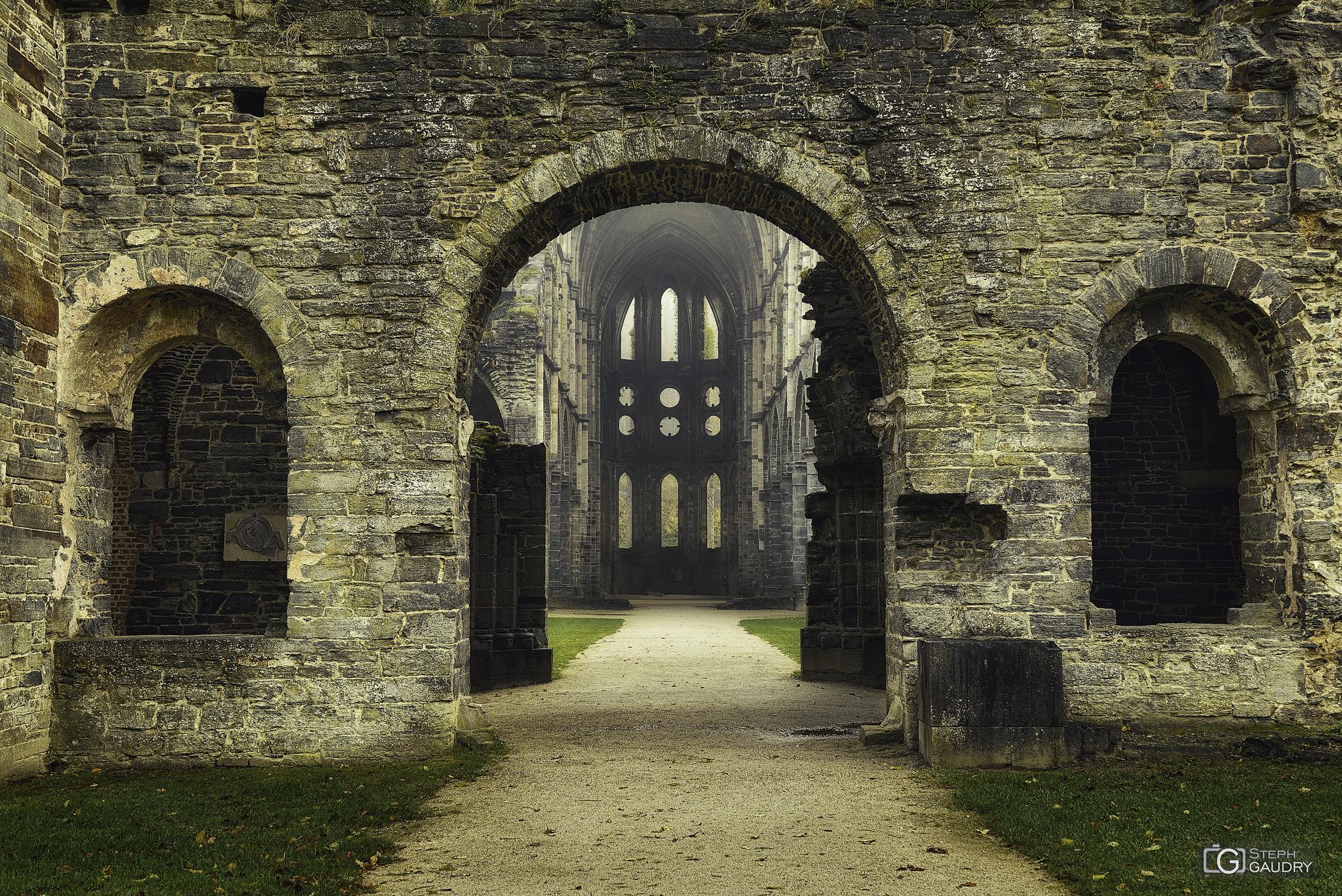 Abbaye de Villers: Le porche et le narthex [Cliquez pour lancer le diaporama]