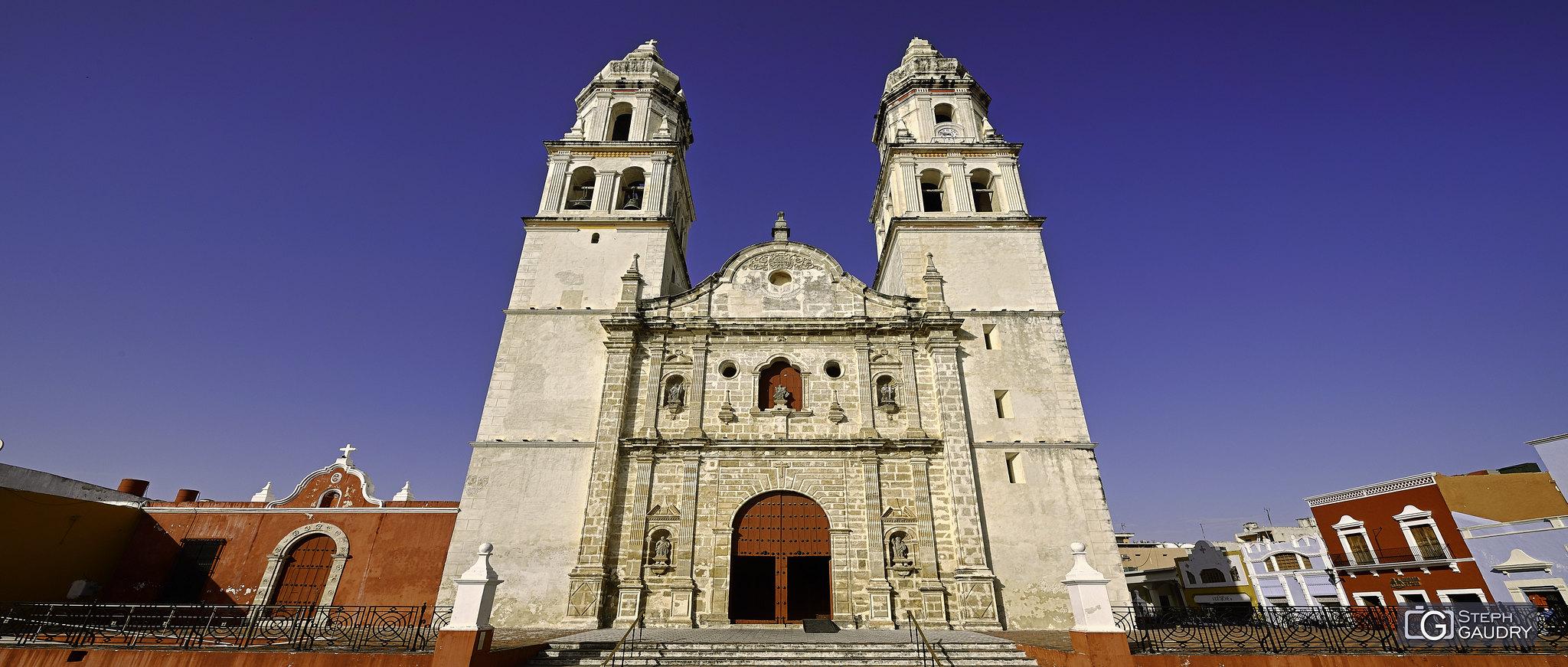 Cathédrale Notre-Dame de l'Immaculée Conception à Campeche [Cliquez pour lancer le diaporama]