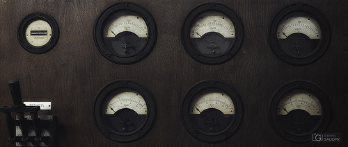 Energeia - anciens cadrans de tension et d'intensité