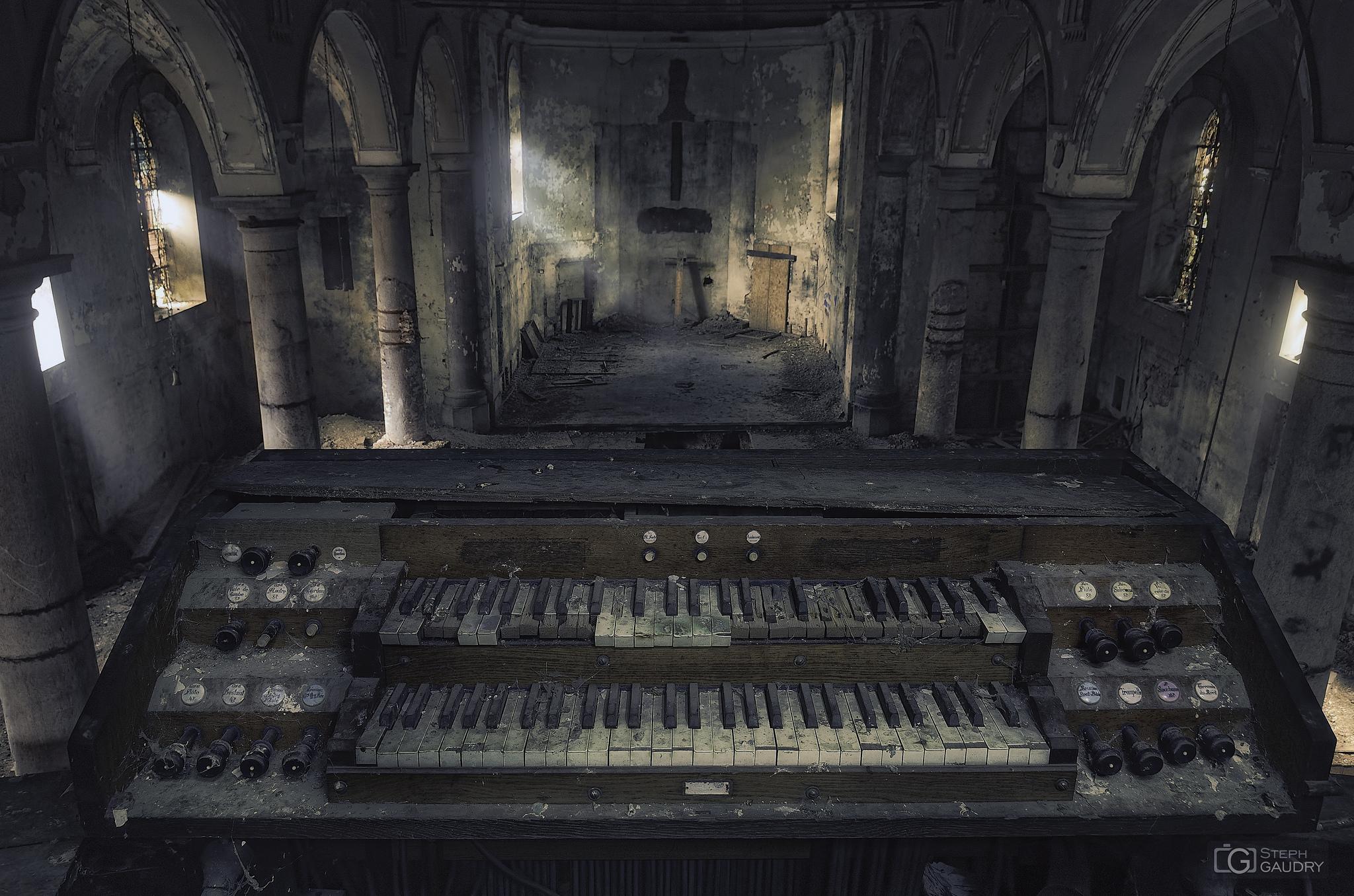 Heavenly music at Gravestone Church [Cliquez pour lancer le diaporama]