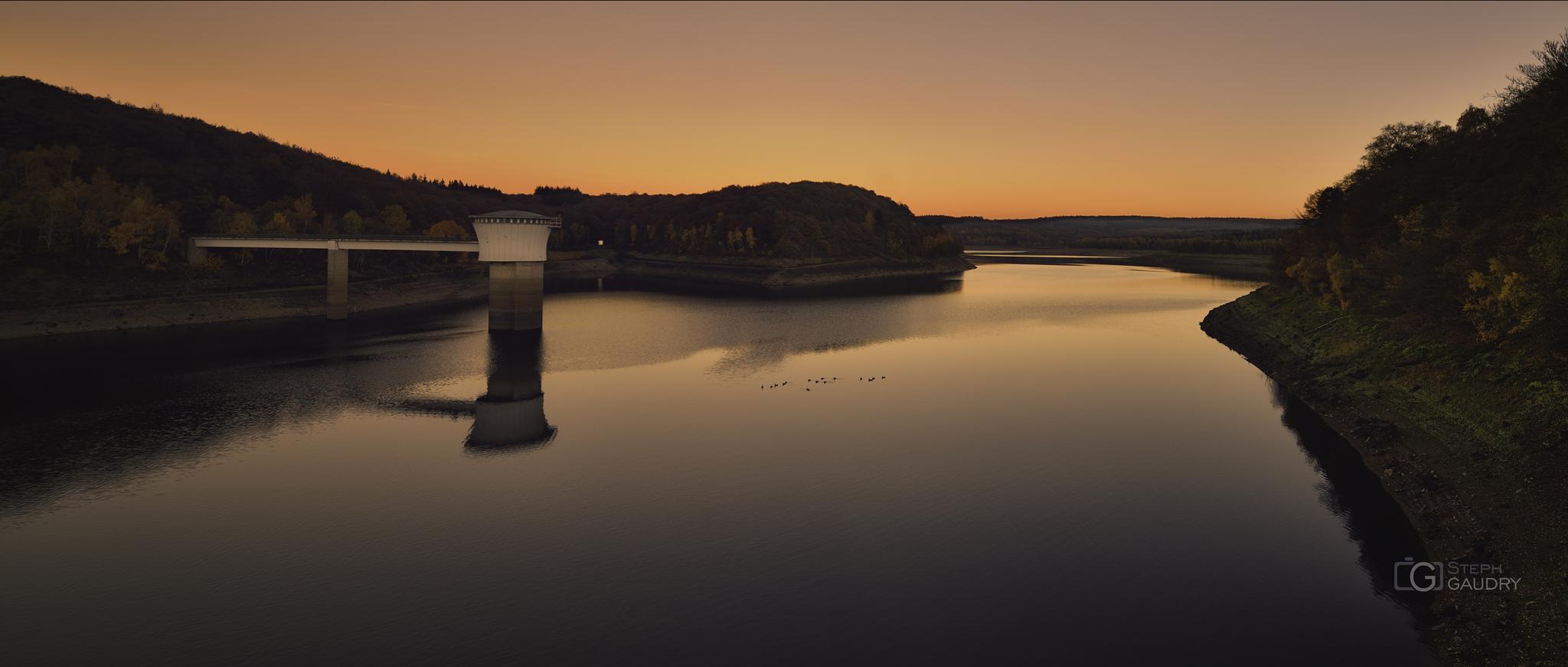 Coucher de soleil sur le barrage de la Gileppe [Cliquez pour lancer le diaporama]