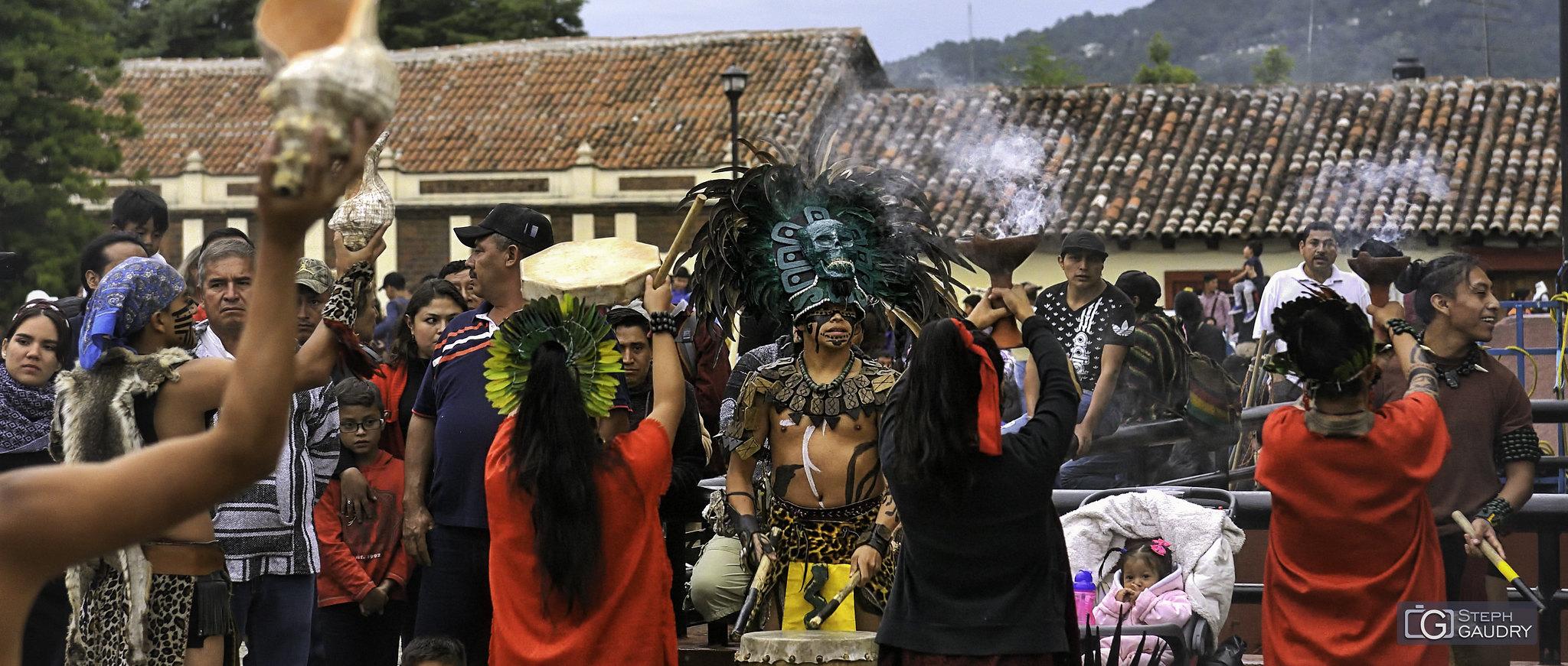 Danses rituelles à San Cristóbal de las Casas [Cliquez pour lancer le diaporama]