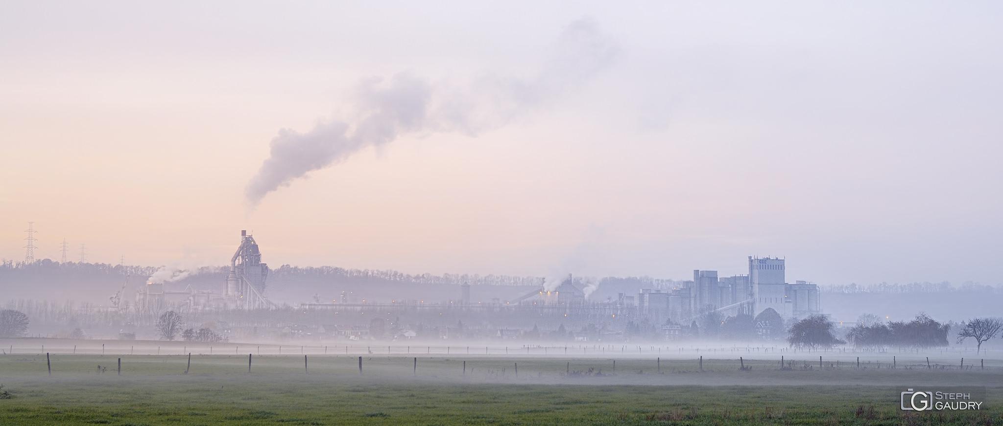 Visé, les industries CBC dans le brouillard [Klik om de diavoorstelling te starten]
