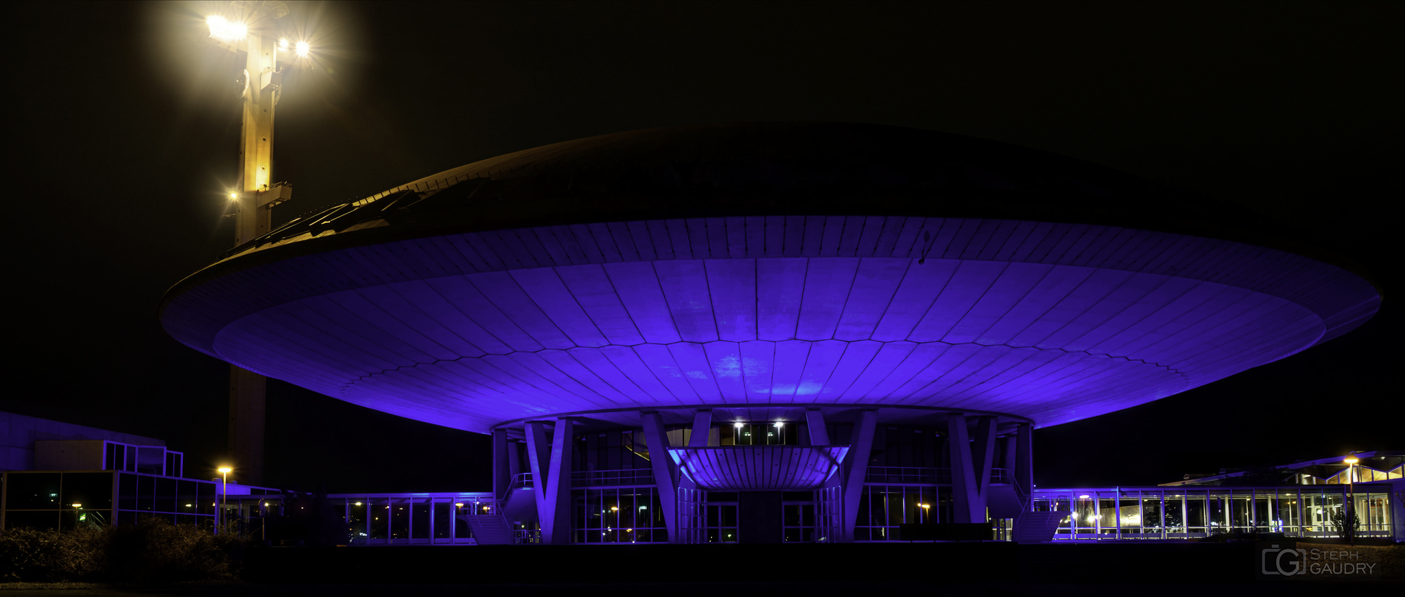 Evoluon by night