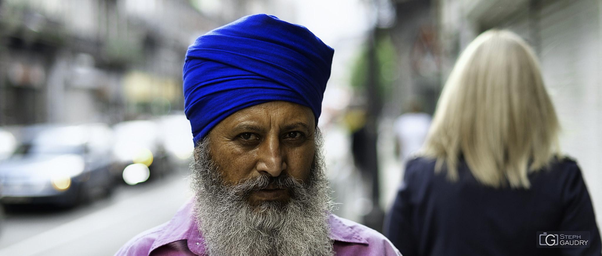 L'homme au turban bleu [Click to start slideshow]