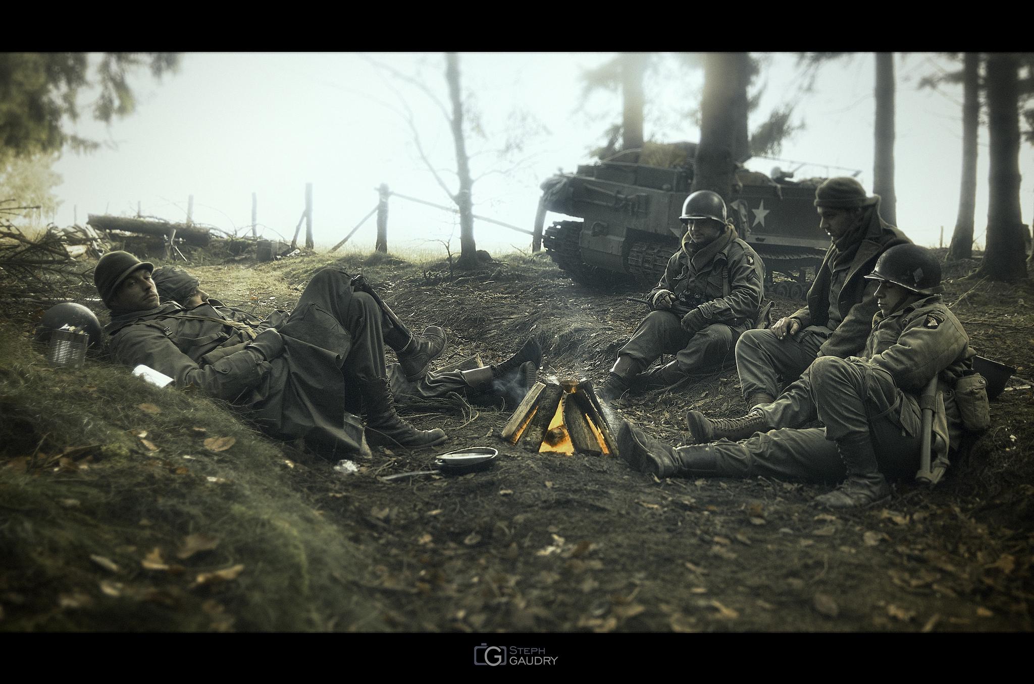 Bivouac défensif dans les bois de Niblamont. [Cliquez pour lancer le diaporama]