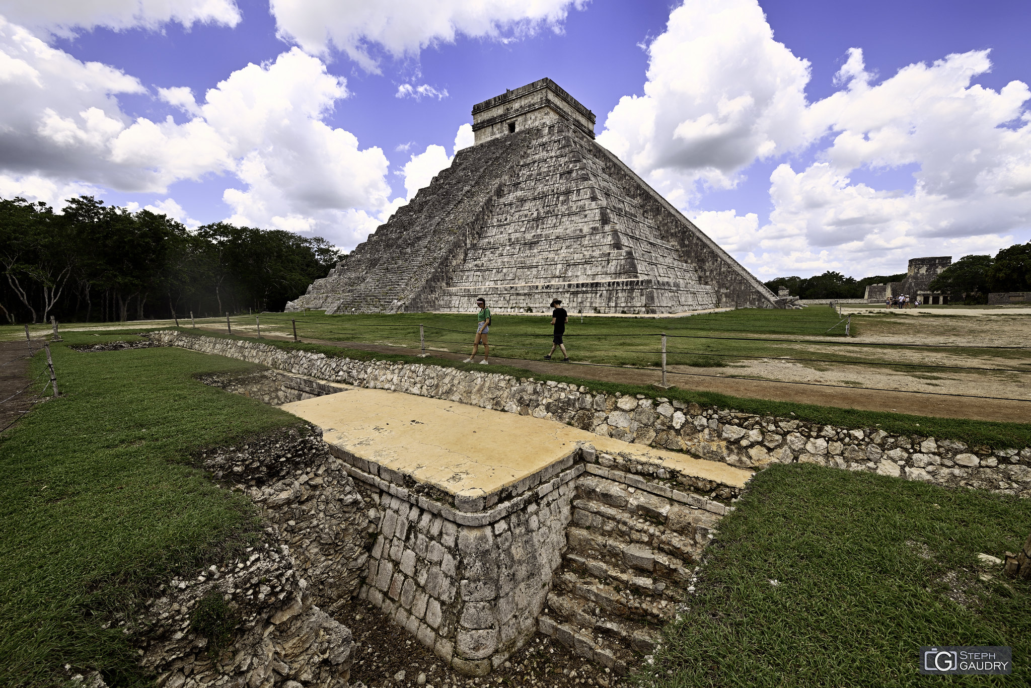 Chichén Itzá - Partie sous terre de  la pyramide de Kukulcán [Click to start slideshow]