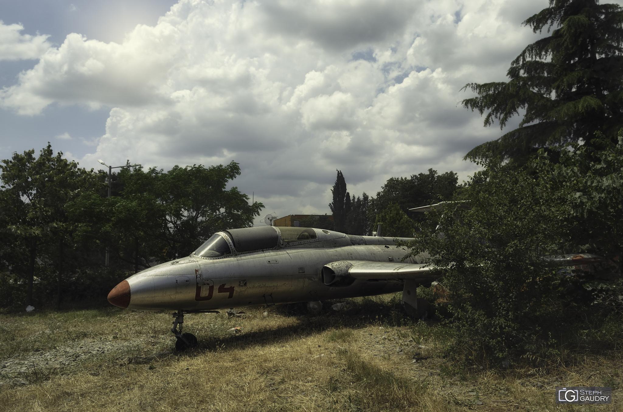 Aero L-29 Delfin [Click to start slideshow]