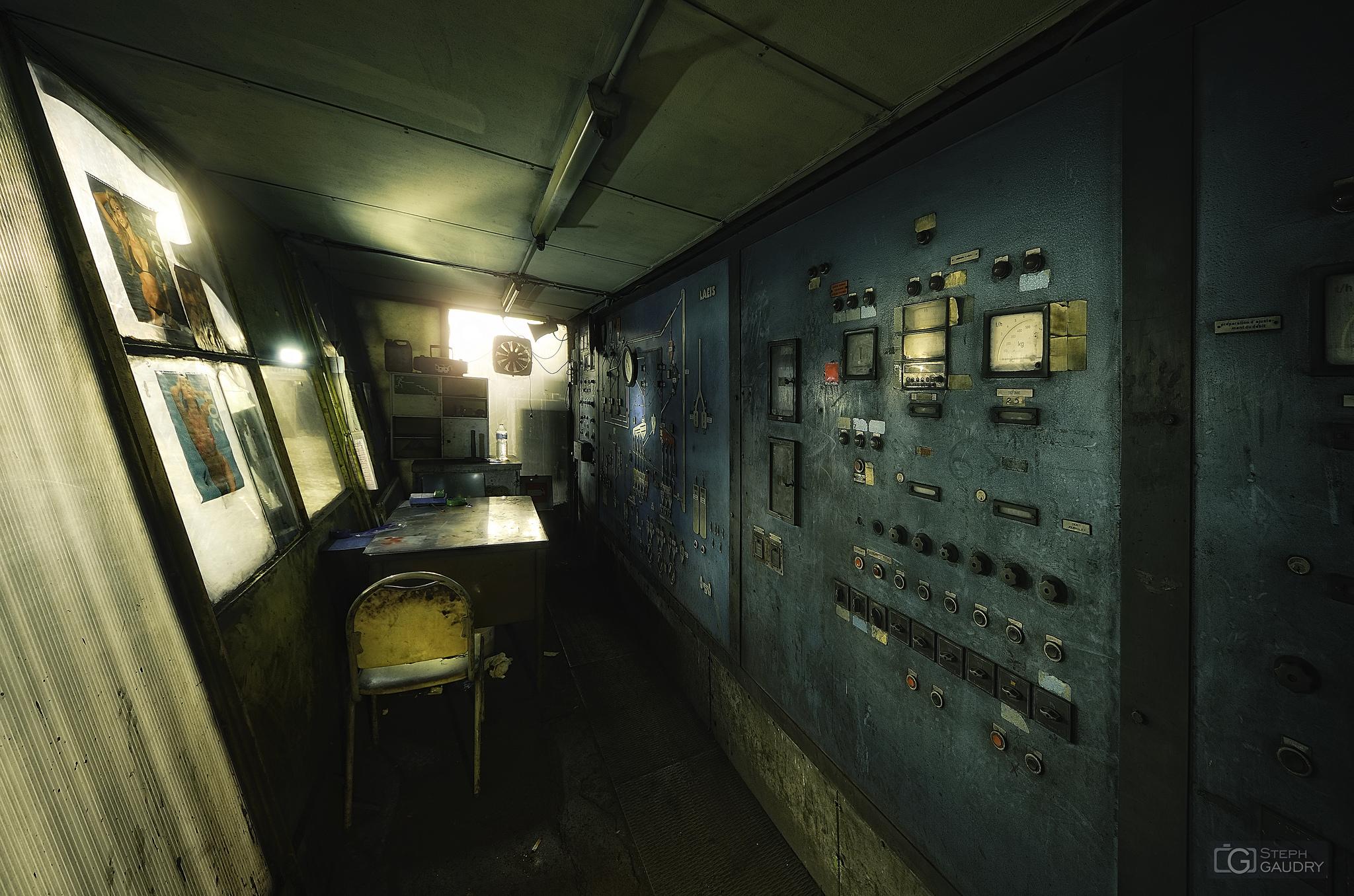 Incinerator office [Click to start slideshow]