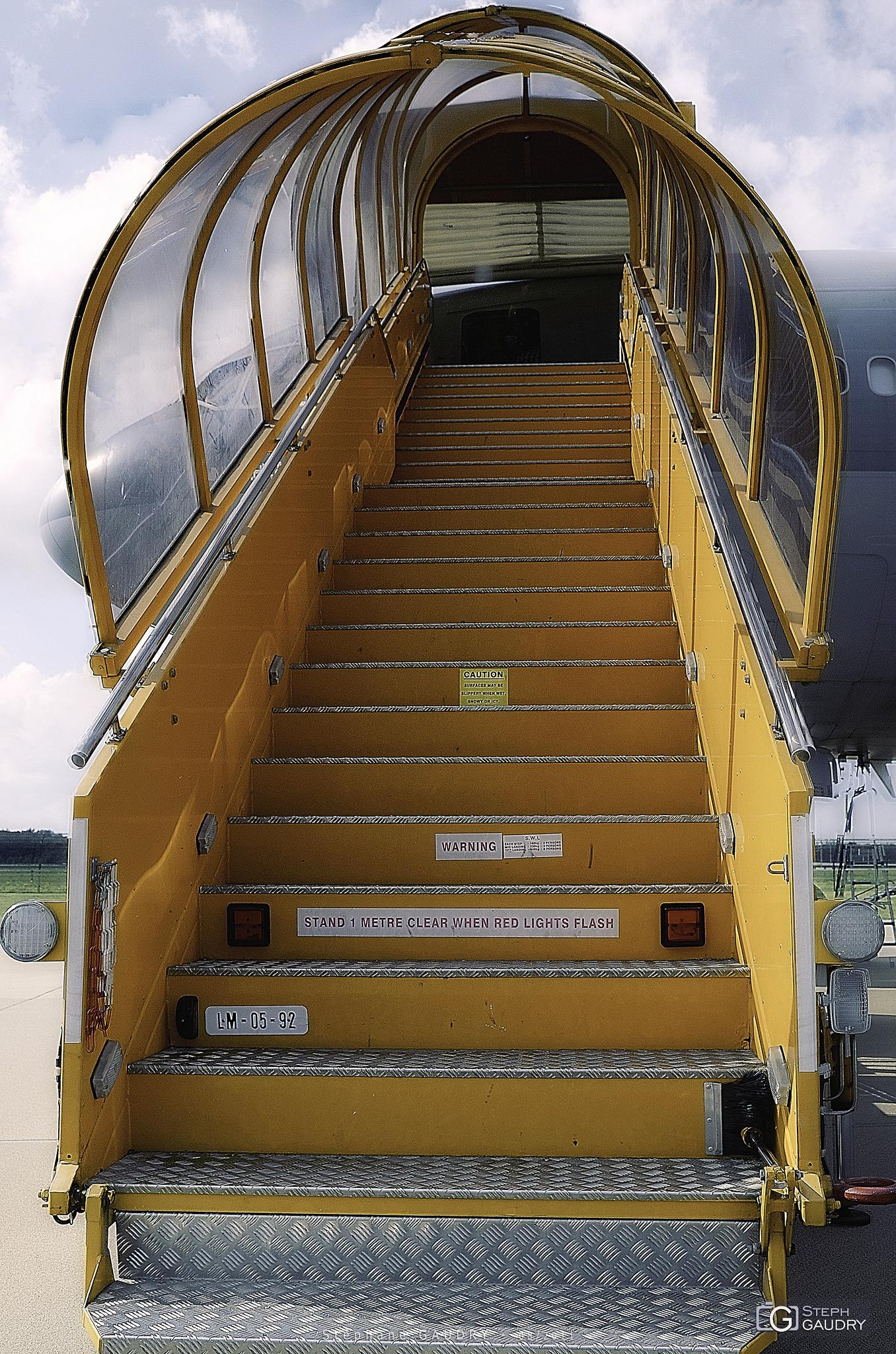Welcome on board - KDC-10 [Klik om de diavoorstelling te starten]