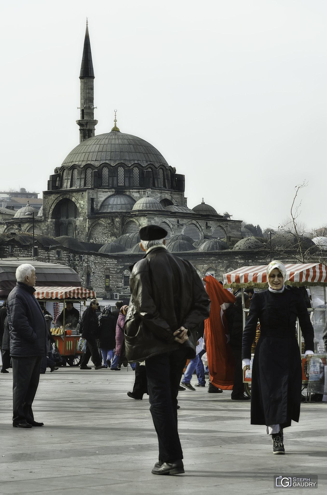 Istanbul, Rüstem Paşa Camii [Cliquez pour lancer le diaporama]