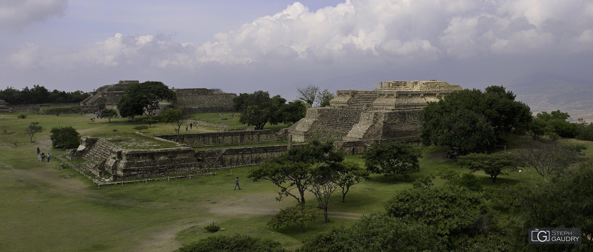Monte Albán (Oaxaca MEX) [Klik om de diavoorstelling te starten]