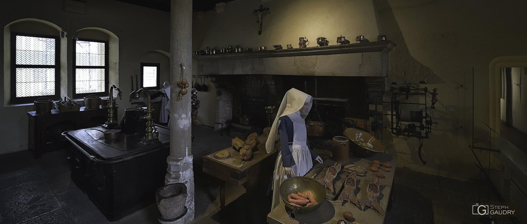 La cuisine des hospices : Hospices de Beaune (hôtel-Dieu) [Cliquez pour lancer le diaporama]