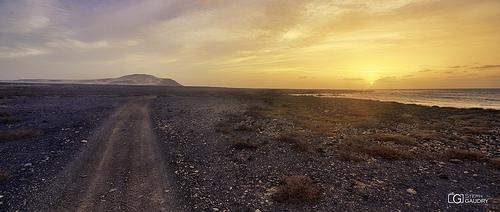 Au Cap Vert; dernière lumière