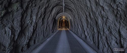 I tunnel della Colonnata discesa verso Carrara