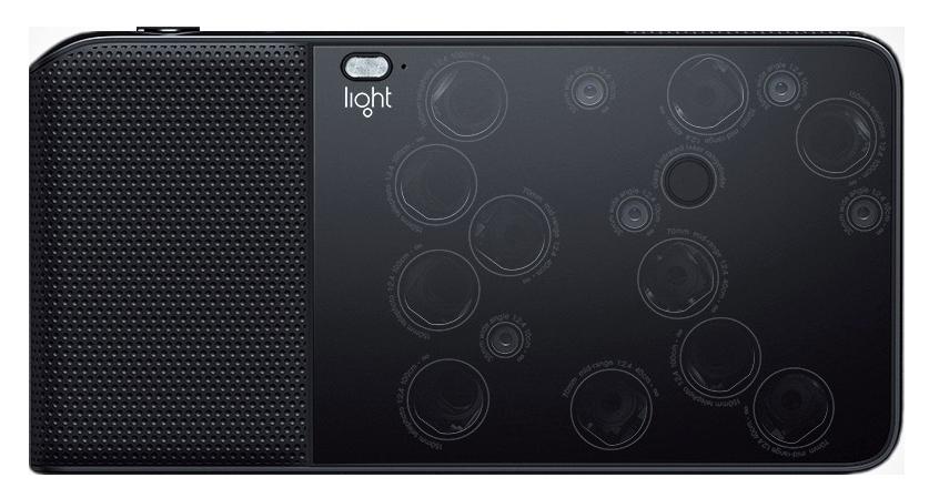 La face arrière du Light L16, et ses 16 objectifs